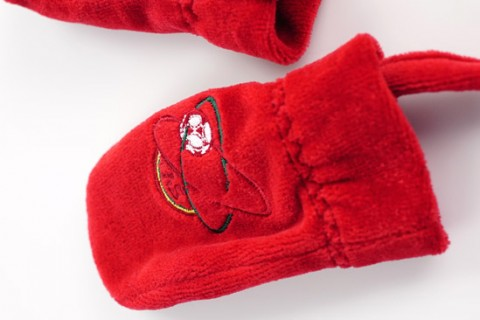 Custom baby gloves with embroidered logo